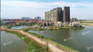 融創百億收購天津最著名爛尾樓 業主擔心再次爛尾.jpg