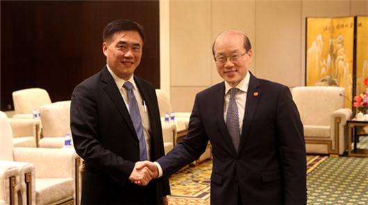 中共中央臺辦、國務院臺辦主任劉結一6日在廈門會見了前來出席第十屆海峽論壇的……