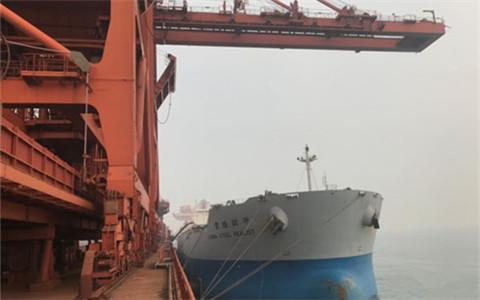 大連港臺灣鐵礦石轉机業務正式啟動