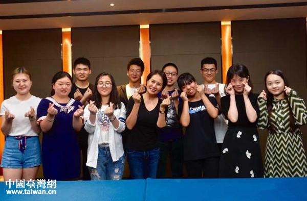 """""""臺灣媽媽""""高金素梅和20個北川孩子的十年:我們會一直是一家人!"""