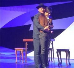 武漢首部原創諜戰喜劇《屌絲英雄》登臺