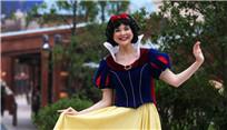 """上海迪士尼開幕在即 """"白雪公主""""微笑迎客"""