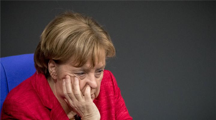 德國政壇出現變數 默克爾出席會議愁容滿面