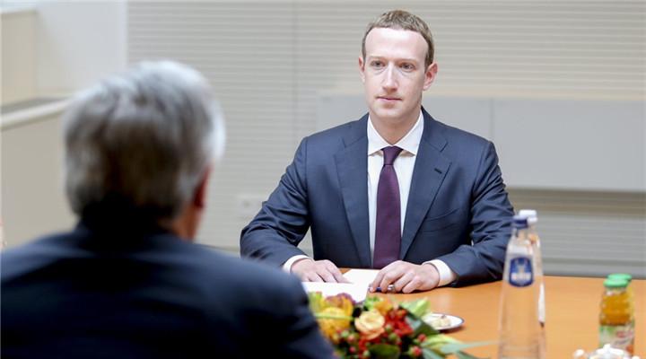 扎克伯格與歐議會主席會面 再現小學生乖乖臉