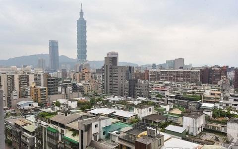 薪資倒退至17年前水準 臺北網友嘆工作10年難買房