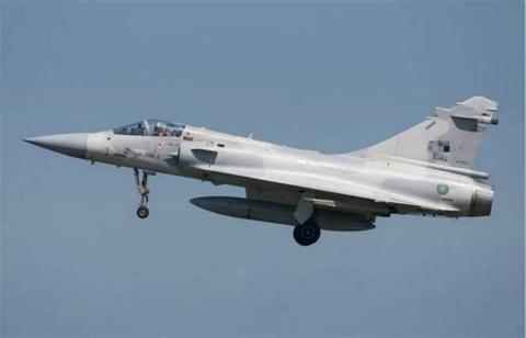 飛機480.jpg