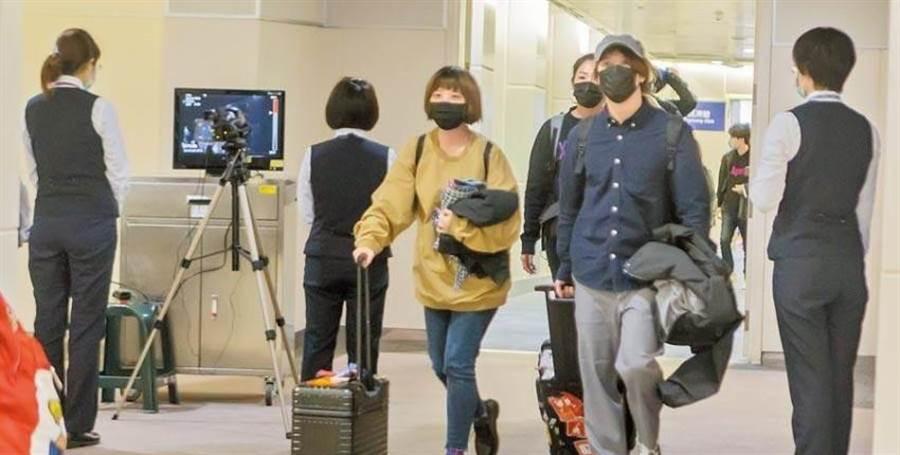 臺灣新冠肺炎病例持續增加。.jpg