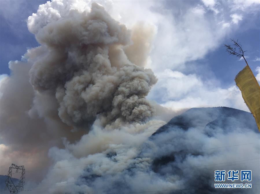 四川雅江森林火災持續一週 過火面積約100公頃