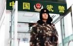 【新春走基層】戰風雪鬥嚴寒恪盡職守:武警官兵雪中堅守確保安全