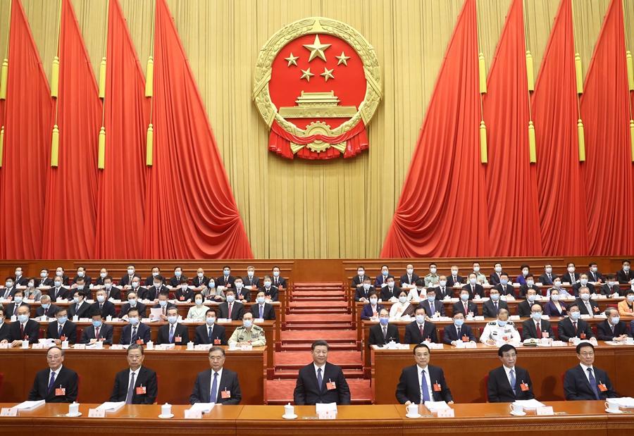 5月22日,第十三屆全國人民代表大會第三次會議在北京人民大會堂開幕。黨和國家領導人習近平、李克強、汪洋、王滬寧、趙樂際、韓正、王岐山等出席,栗戰書主持大會。