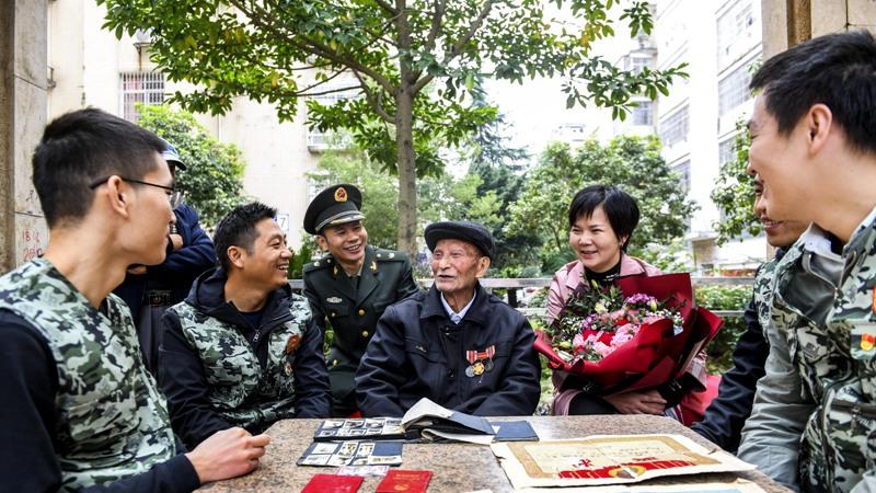 國慶臨近 95歲抗美援朝老兵祝祖國繁榮富強